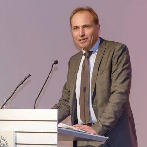Keynote-Speaker Ralf Utermöhlen beim Vortrag