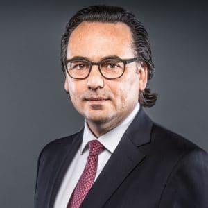 Dr. Robert Niemann